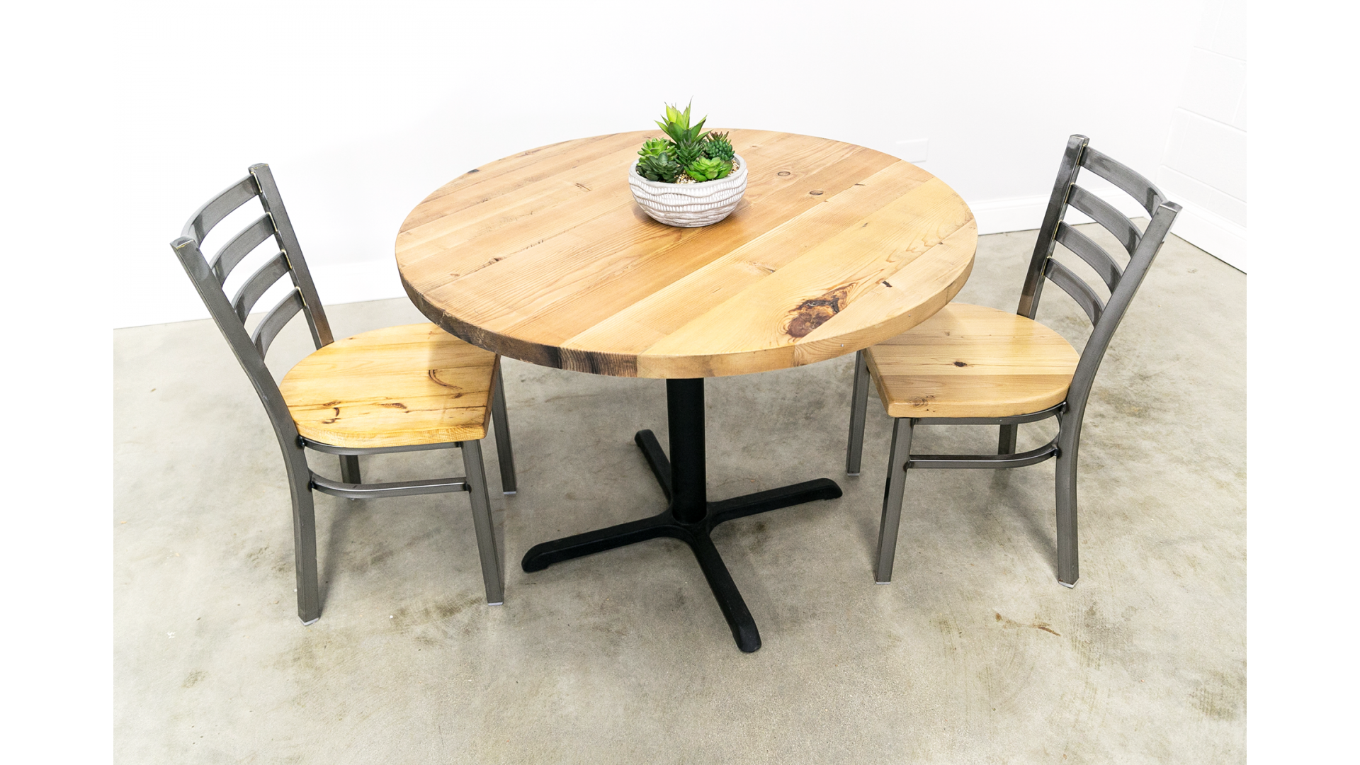 Reclaimed Wood Round Pedestal Table