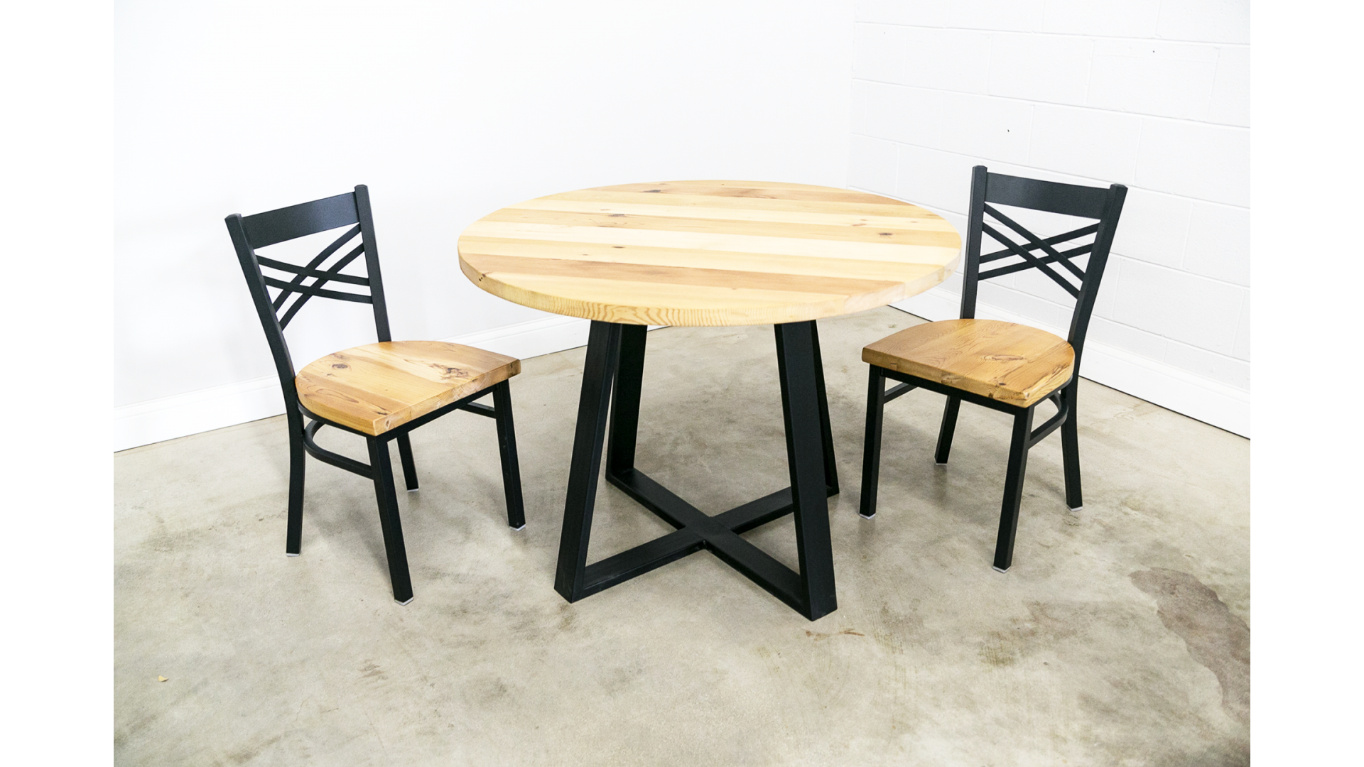 Round Dining Table with Criss-Cross Leg Base